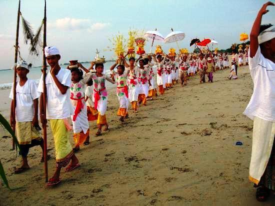 Bali-sacreed-ritual