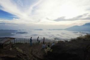 batur-volcano-sunrise-trekking