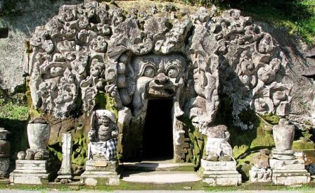 Goa-gajah-temple-ubud