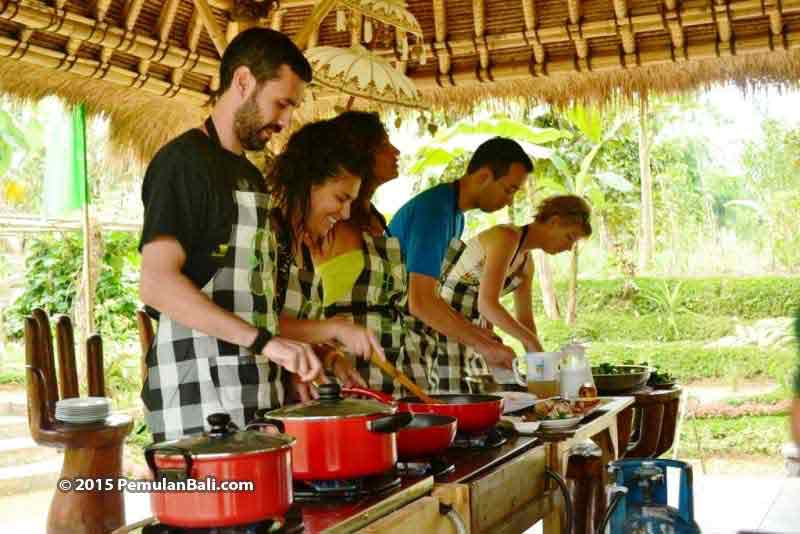 Hands-on-farm-cooking-bali